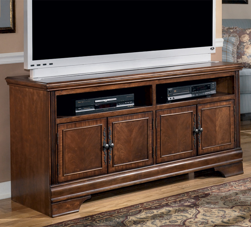 Mentor Tv Ashley Furniture Hamlyn Series 60 Inch Tv Console W527